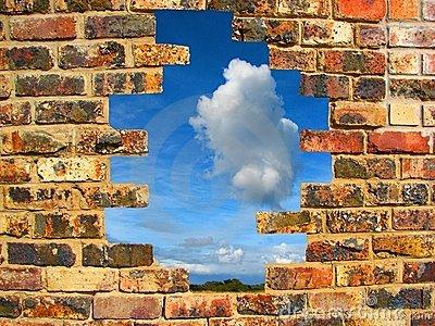 muro-di-mattoni-rotto-6484604